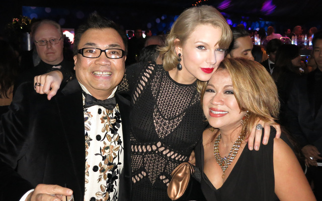 Fashion designer David Tupaz, Taylor Swift and Luisa Marshall.