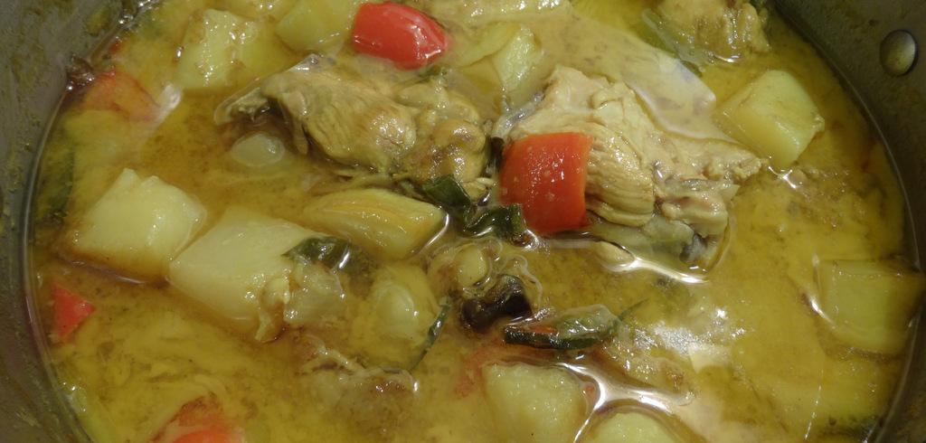 Recipe filipino style chicken curry metrovan independent news filipino style forumfinder Gallery