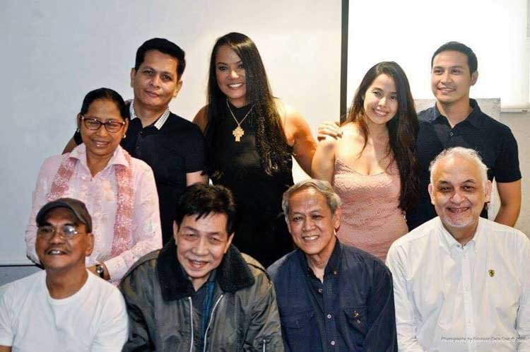 With actors seated L-R, Lou Veloso, Jun Urbano, Nanding Josef, Leo Rialp. Standing L-R, Flor Salanga, Director Ralston Jover, BB, Angela Cortes and Matt Daclan.